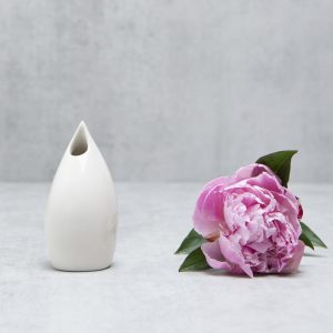 Pianca Ceramics - Small white ceramic vase - White living room design - White office decor