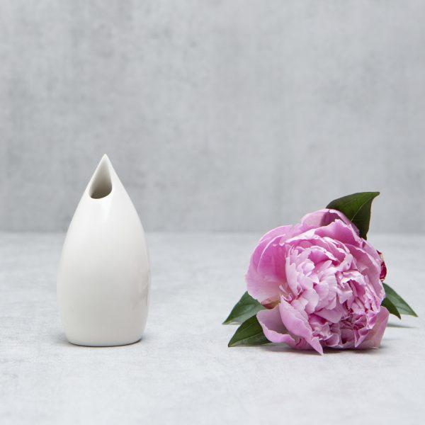 Pianca Ceramics - Small white ceramic vase - White living room design - White office decor