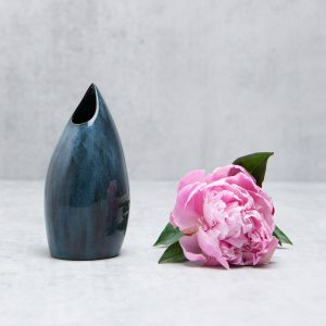 Pianca Ceramics - modern blue vase - blue ceramic vase - blue house interior design - blue pottery vases online - contemporary home interior design